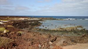 Plage de lave à Lanzarote
